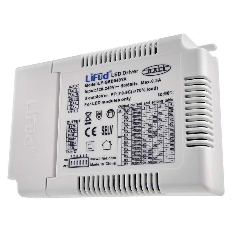 Multifunkční externí driver pro LED panely